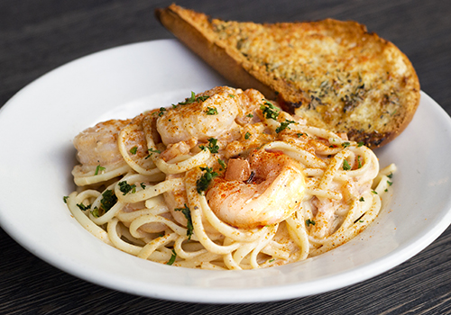 Shrimp Linguine with garlic bread